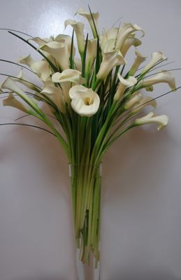 Calla Lily Centerpiece –  Large 20 inch Pilsner