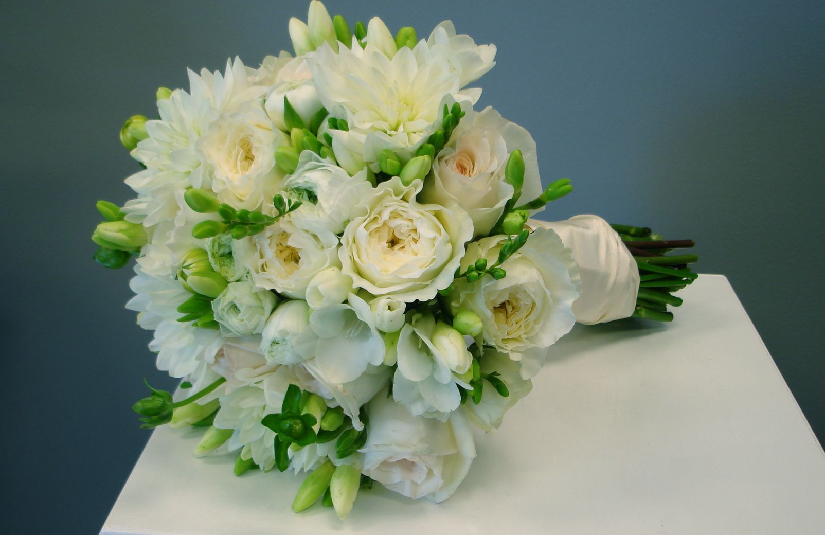 Wedding bouquet flowers of the field las vegas - Garden rose bouquet ...