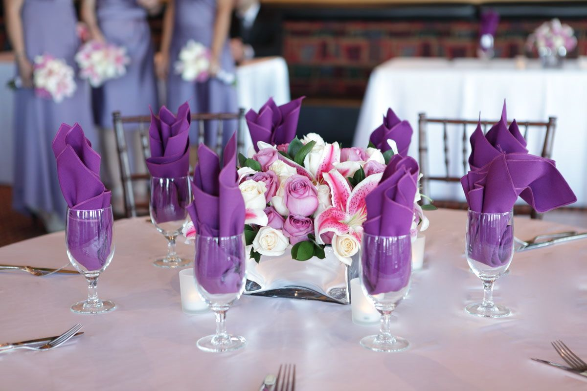 Lilies And Roses Centerpiece Flowers Of The Field Las Vegas