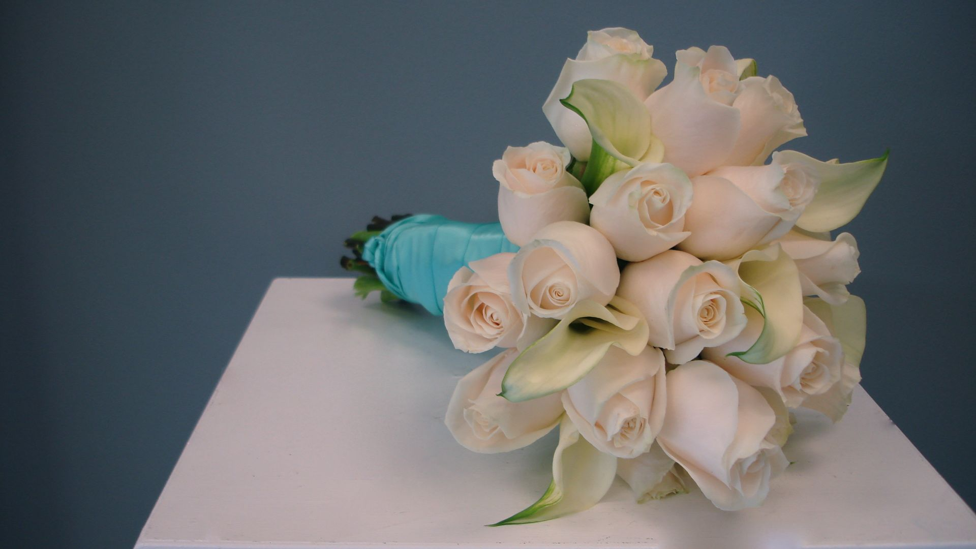 Roses calla lily bridal bouquet flowers of the field las vegas roses calla lily bridal bouquet izmirmasajfo